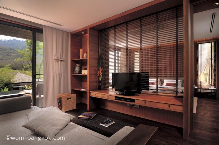 5.リビングと寝室の間はガラス+ブラインドが壁代わり
