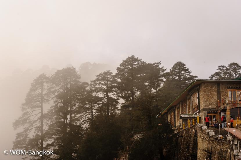 霧が出たり晴れたり、山の天気は変わりやすい