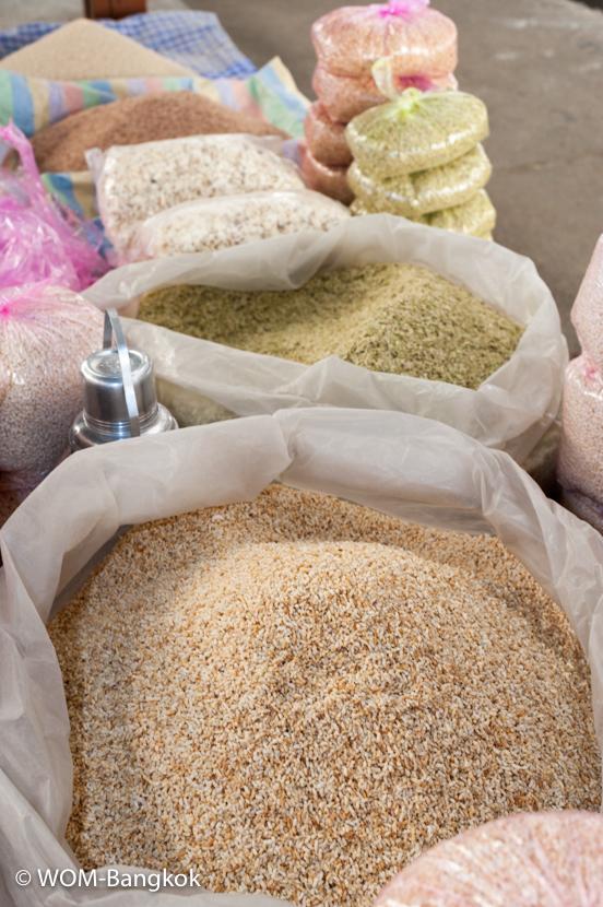 米やトウモロコシなどの穀類。ブータンでは昔から朝食にポップコーンが食されてきたそう
