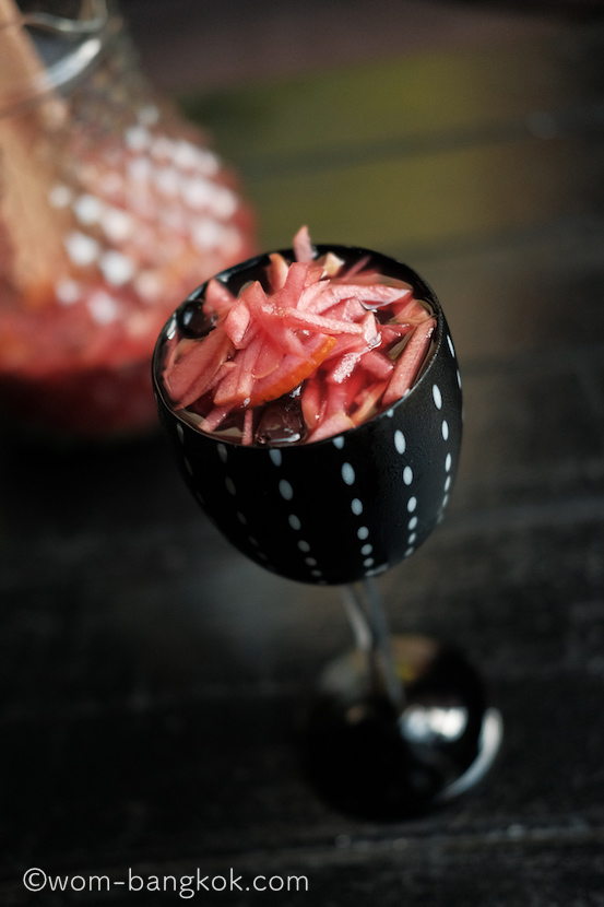 5.サングリア拍子切りのりんごが可愛い。美味しくてつい飲み過ぎてしまいそう